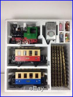 LGB 20301 US Passenger Starter Train set with track and power pack