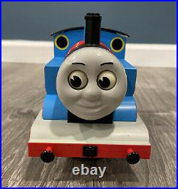 Lionel 8-81027 Thomas And Friends Engine G Scale Train Set With original box