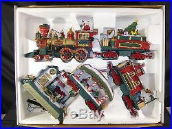 NEW BRIGHT THE HOLIDAY EXPRESS ANIMATED 387 G Scale Christmas Train Set(390)
